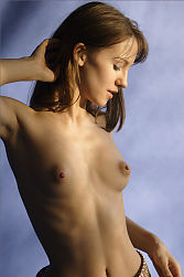 Alisa modeling for erotic nudes